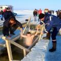 Крещенские купания в Карасукском районе (видео)