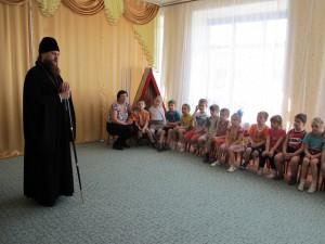 Встреча епископа Филиппа с детьми (видео)