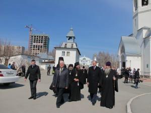 Губернатор Новосибирской области В.А. Юрченко поздравил Преосвященного Филиппа с праздником Пасхи