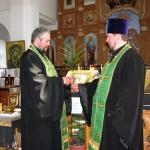 Дружеское приветствие наших священников
