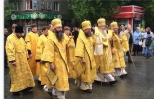 В Новосибирске состоялся традиционный крестный ход в честь святых Кирилла и Мефодия, посвященный празднованию Дней славянской письменности и культуры