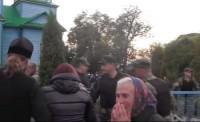 Около 30 боевиков «Правого сектора» напали на храм в селе Колосовая