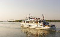 Корабль-церковь «Святой апостол Андрей Первозванный» отправляется в благотворительный рейс