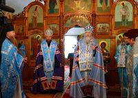 Митрополит Тихон и епископ Филипп у чудотворной  Иверской иконы Пресвятой Богородицы на ст. Мочище (видео)
