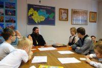 Епископ Филипп принял экзамен у учеников воскресной школы при Кафедральном соборе г. Карасука (видео)