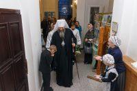 Митрополит Никодим совершил Литургию в Троице-Владимирском соборе