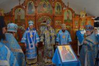 Митрополит Никодим совершил Божественную литургию в храме иконы Божией Матери «Скоропослушница»