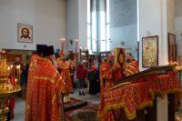 Архиерейская Литургия в соборе в честь Живоначальной Троицы р. п. Ордынское в день Радоницы