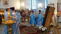 Архиерейская Литургия в Троицком  соборе  в Ордынке в день празднования Иверской иконы Пресвятой Богородицы