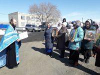 С крестным ходом против COVID-19 прошли прихожане в Карасуке и Ордынке
