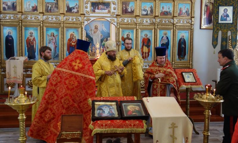 Архиерейское служение в день престольного праздника св. ап. Иоанна Богослова в Здвинске (видео)