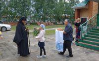 Архиерейская литургия в селе, где расстреливали священников и распиливают поклонные  кресты