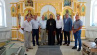 Рабочая встреча епископа Филиппа на строительстве нового храма в г. Карасуке