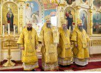 Епископ Филипп принял участие в совершении Литургии в Вознесенском кафедральном соборе  в день празднования Собора святых, в земле Новосибирской просиявших