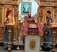 Литургия в Кафедральном соборе г. Карасука в Неделю 5-ю Великого поста
