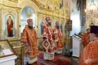 Епископ Филипп принял участие в Божественной  литургии в храме во имя пророка Божия Илии г. Каргата(видео)