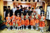 Дети детского центра «Жемчужина» в рождественские дни встретились с епископом Филиппом (видео)
