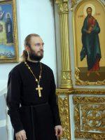 Епископ Филипп поздравил секретаря Карасукской епархии иерея Антония Баранова и матушку Ксению с рождениемвторого ребенка — сына Даниила