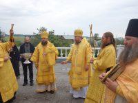 Два архиерея совершили Литургию в Михаило-Архангельском женском монастыре с. Малоирменки (видео)